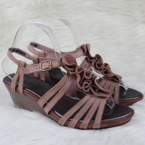 Clarks Bendables Suede Ruffle Wedge Sandals 7.5